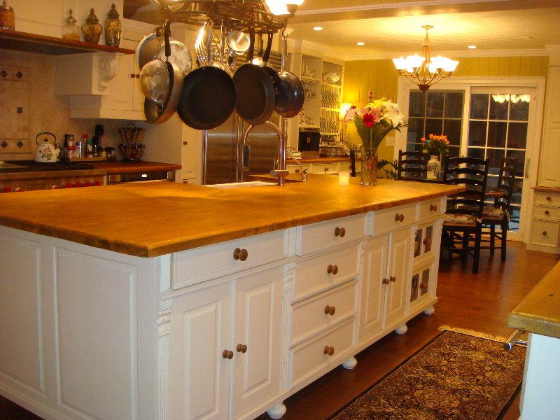 Outstanding Custom Pine Kitchen Cabinets & Islands 800 x 600 · 769 kB · jpeg