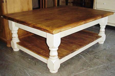 Pine Coffee Table W Shelf